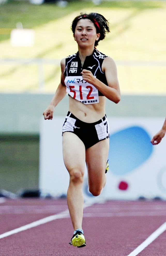 陸上女子400メートルで3位になった湘南の入江明歩 ©読売新聞社