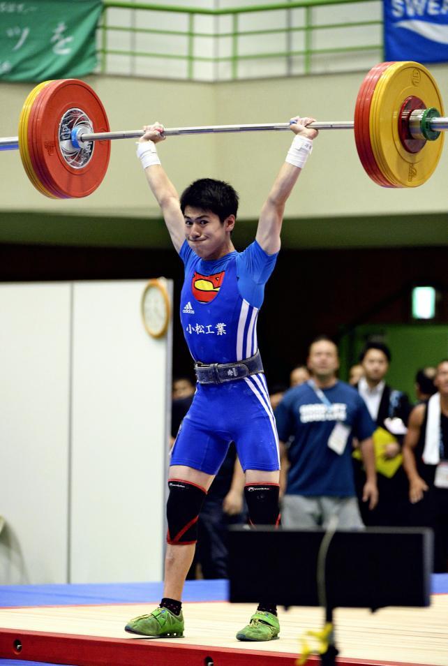 重量挙げ53キロ級で優勝した小松工の中本唯人 ©読売新聞社