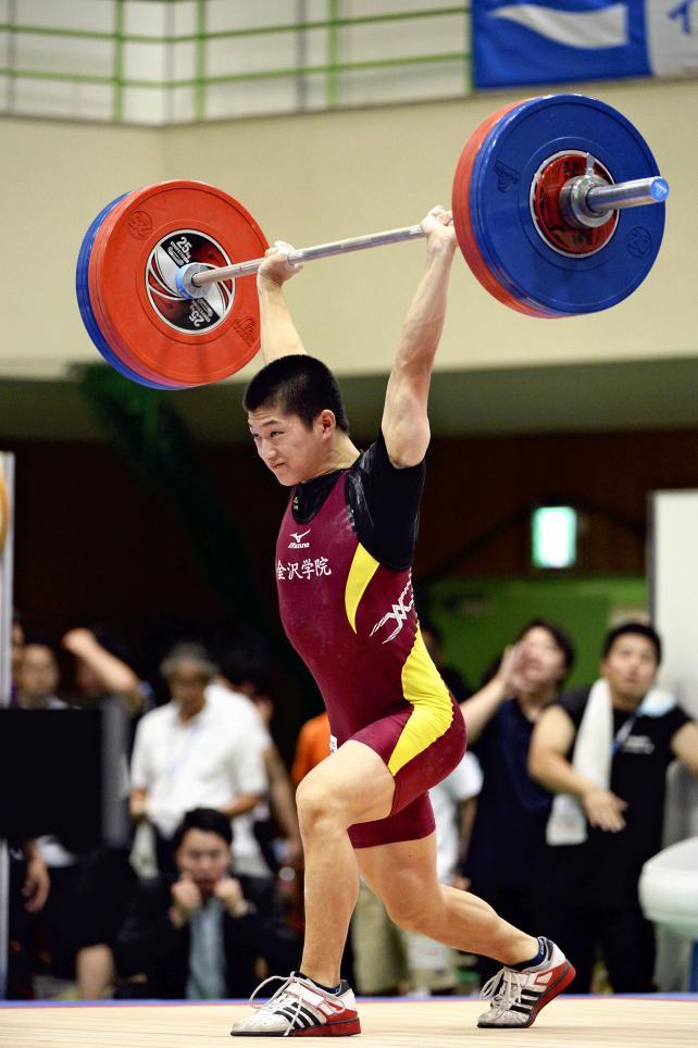 重量挙げ62キロ級で3位になった金沢学院の西川和真 ©読売新聞社