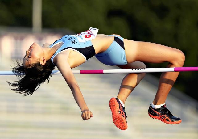 上女子走り高跳びで3位になった北摂三田の井上紗耶加 ©読売新聞社