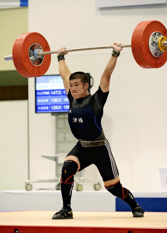 重量挙げ69キロ級 2位と健闘した津幡の新谷遼 ©読売新聞社