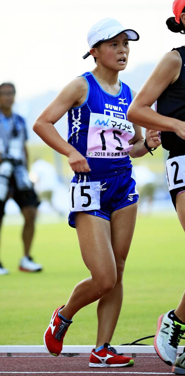 陸上女子5000メートル競歩で2位に入った東海大諏訪の落合早峰 ©読売新聞社