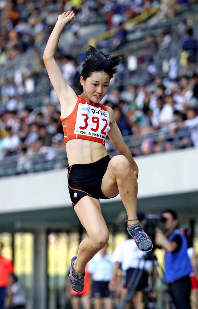 陸上女子走り幅跳びで3位になった埼玉栄の梅宮悠 ©読売新聞社