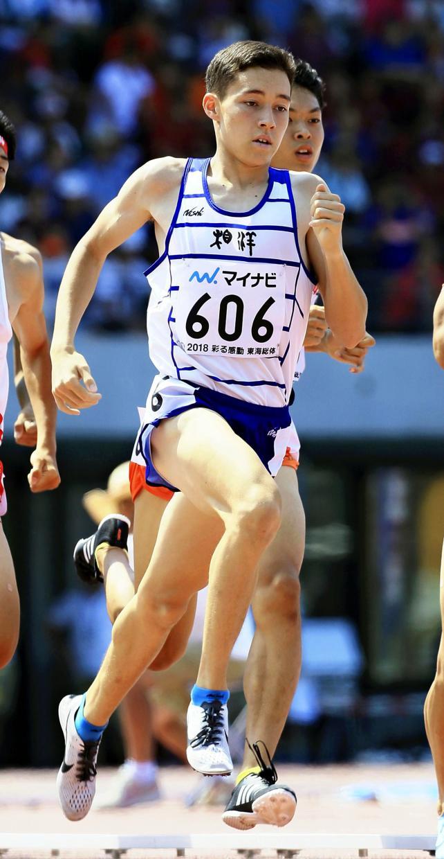陸上男子800メートルで優勝した相洋のクレイアローン竜波 ©読売新聞社