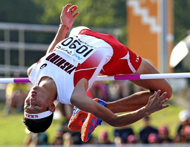 陸上男子走り高跳びで優勝した社の柴田涼太郎 ©読売新聞社
