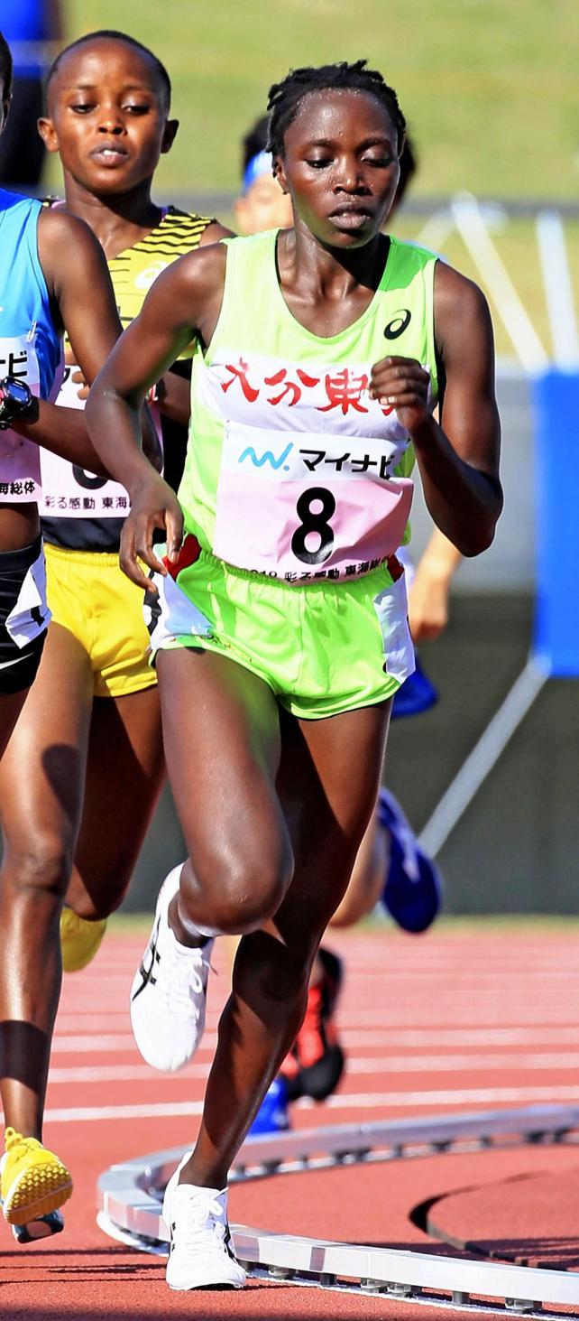 陸上女子3000メートルで優勝した大分東明のマータ・モカヤ ©読売新聞社