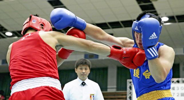 ボクシングミドル級で優勝した駿台学園の須永大護 ©読売新聞社