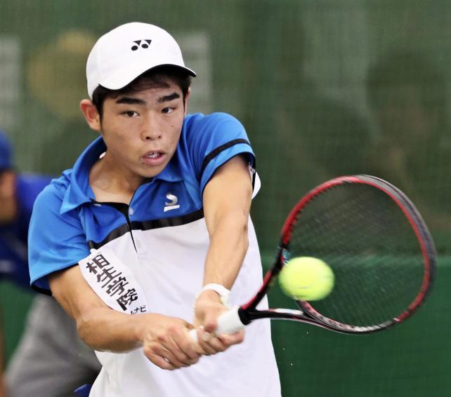 テニス男子シングルスで準優勝となった相生学院の丸山隼弥 ©読売新聞社