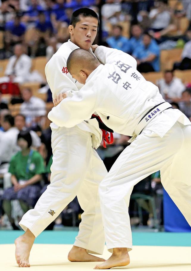柔道男子73キロ級で優勝した東海大仰星の内村秀資 ©読売新聞社