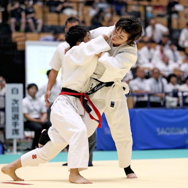柔道女子52キロ級で3位になった帝京の大森生純(右) ©読売新聞社