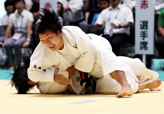 柔道女子70キロ級で優勝した夙川学院の桑形萌花 ©読売新聞社