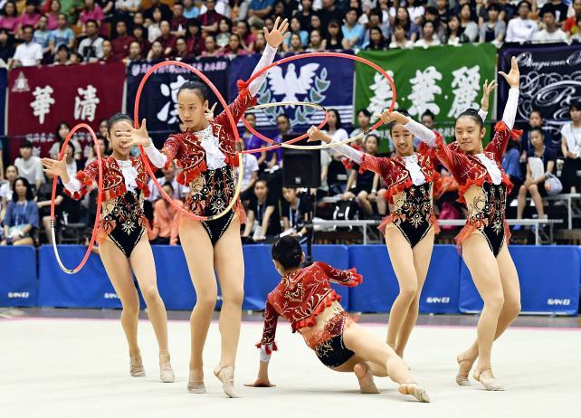 新体操女子団体で4位になった常葉の選手たち ©読売新聞社