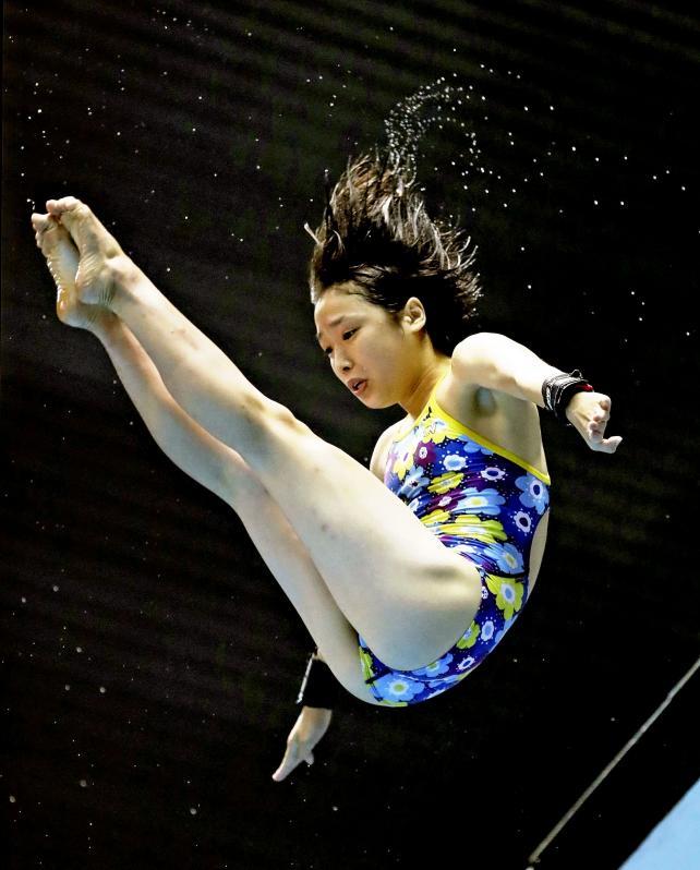 女子高飛び込みで3連覇を果たした甲子園学院の荒井祭里 ©読売新聞社
