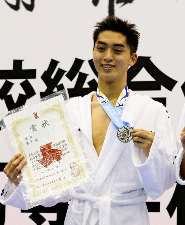 競泳男子200メートル自由形で準優勝した慶応の石田虎流 ©読売新聞社
