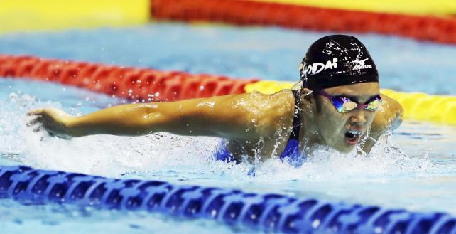 女子100メートルバタフライで3位になった千葉商大付の山川唯巴 ©読売新聞社