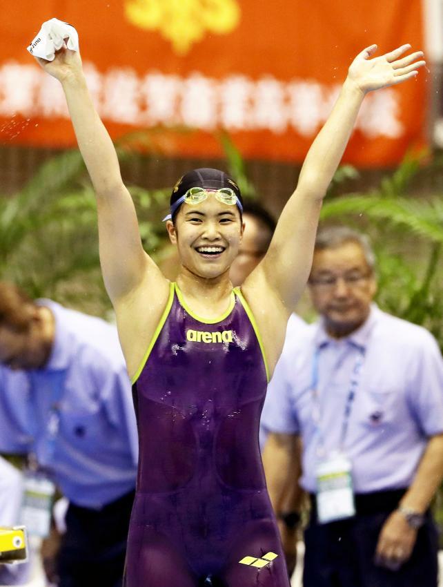 競泳女子800メートル自由形で優勝した八王子の小林楓 ©読売新聞社