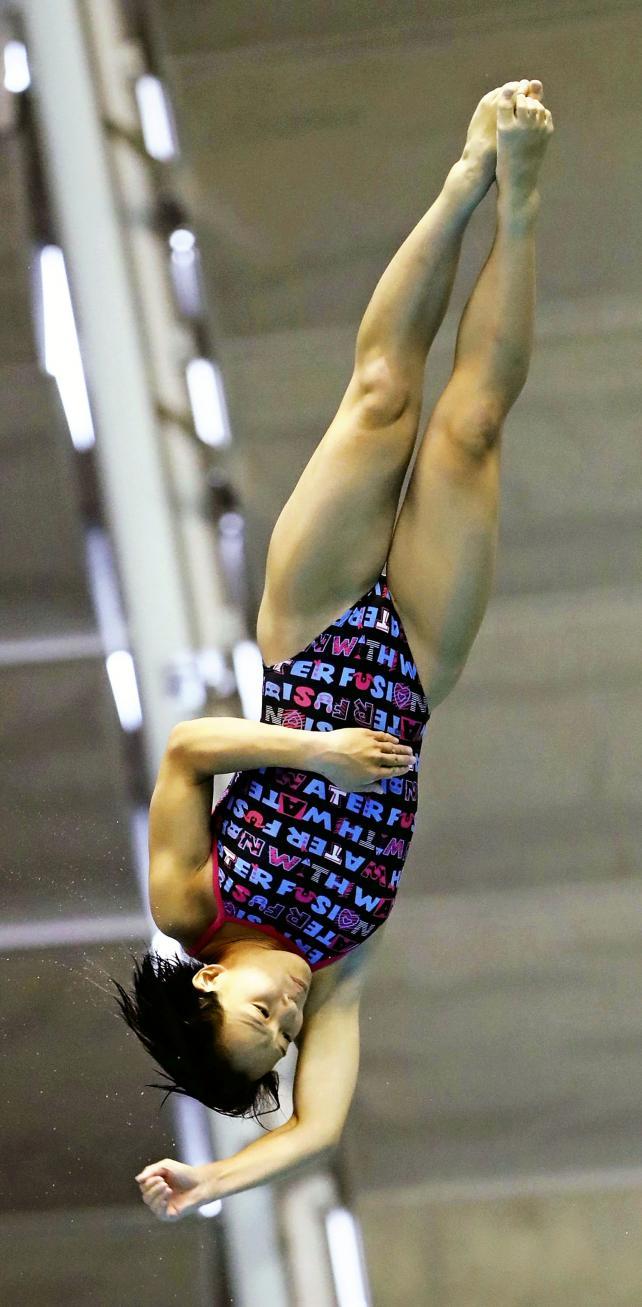 女子板飛び込みで5位入賞した富山国際大付の長沢明生 ©読売新聞社