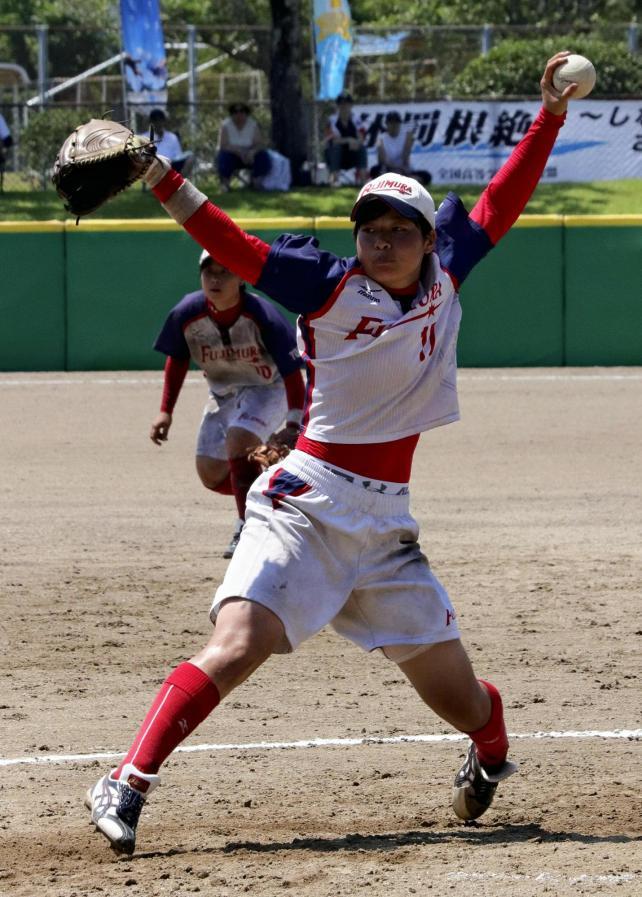 ソフトボール 好投を見せた飯島投手