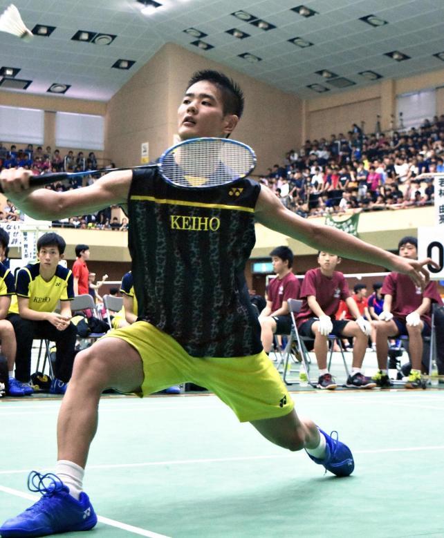 男子団体準々決勝に臨む瓊浦の杉本選手
