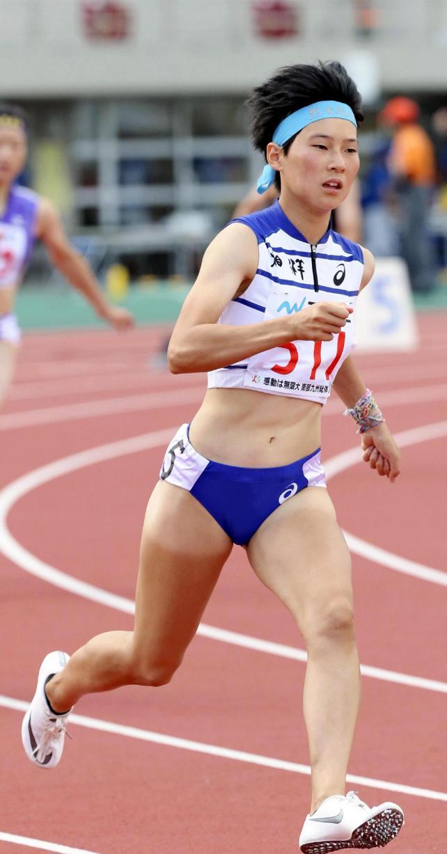 女子400メートルで優勝した相洋の高島咲季選手