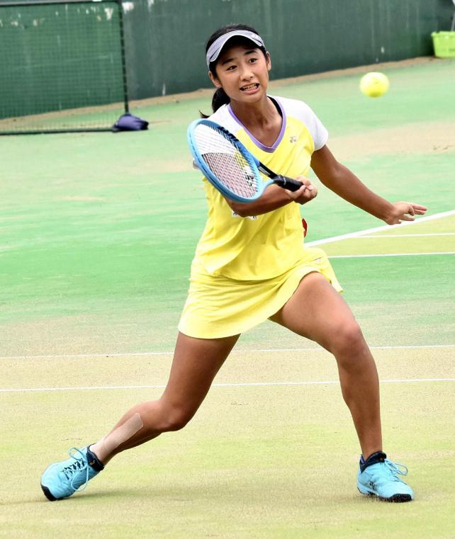 攻めのテニスを貫いた東京学館船橋の長門選手