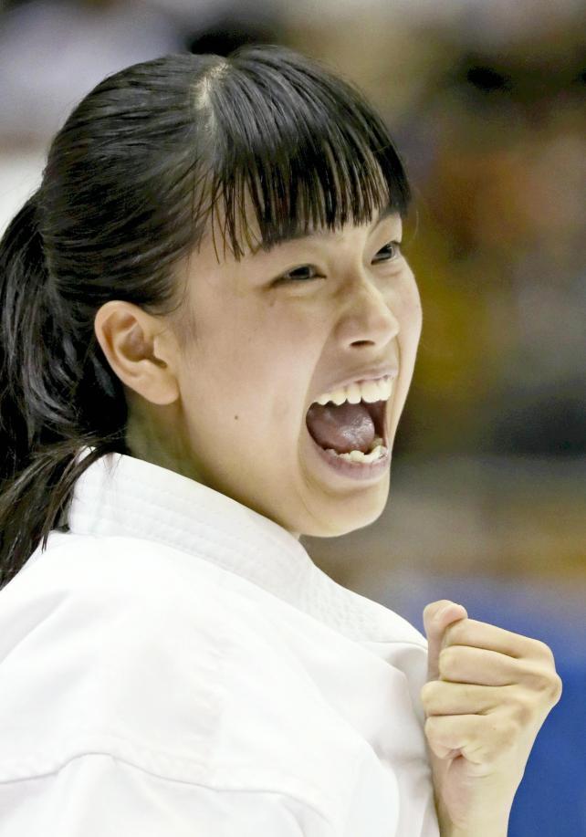 少林寺拳法女子単独演武決勝 気合十分の力強い声が会場全体に響き渡った神島の小田愛里の演武