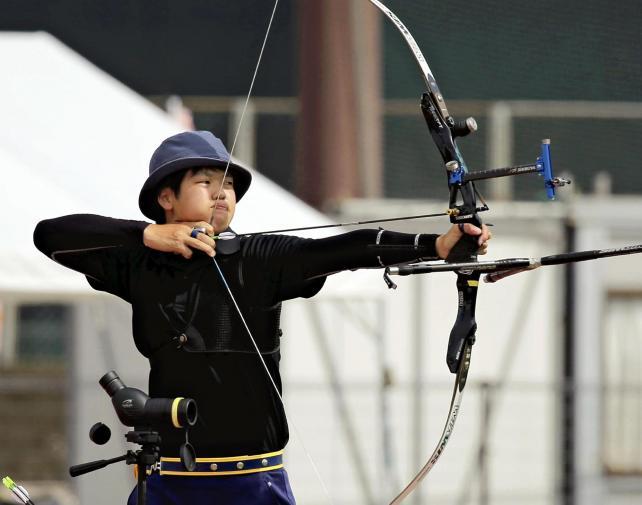 アーチェリー男子個人で準優勝した豊岡の駒形選手