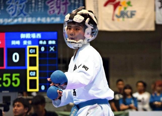 空手女子団体組手に臨む岡崎選手