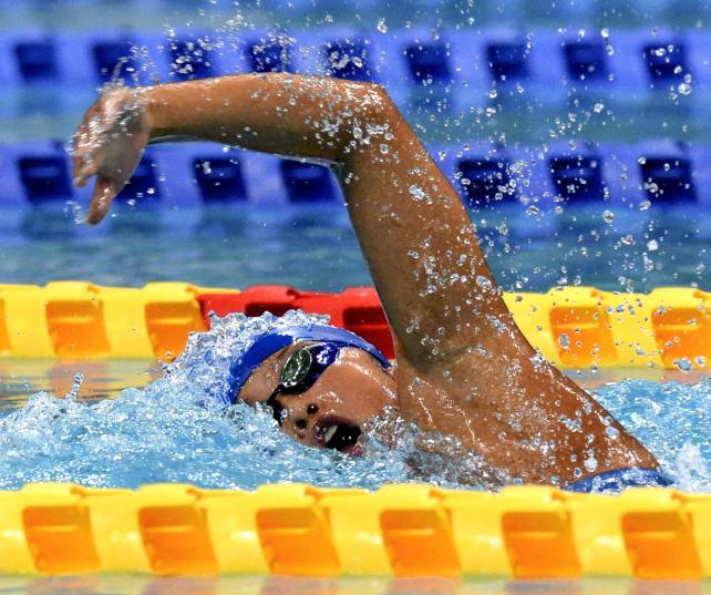 女子400メートルに続き、800メートル自由形で優勝した近大付の中村葵選手