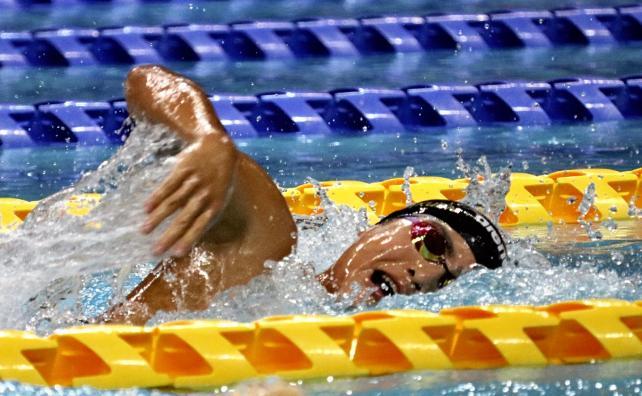 男子1500メートル自由形で準優勝した須磨学園の久保田選手