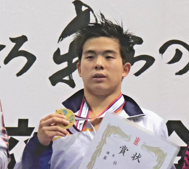 男子100メートルバタフライで優勝した東海大浦安の井上選手