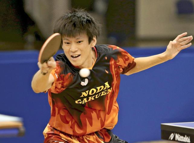 卓球男子シングルスで優勝した野田学園の戸上隼輔選手