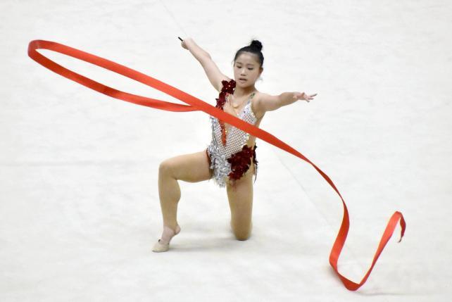 新体操女子個人で華麗な演技を披露した関根学園・青木もも花選手