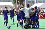 ホッケー男子 勝利が決まり、喜びを爆発させる天理の選手 ©読売新聞社