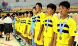 ハンドボール男子 準優勝のメダルを授与される藤代紫水の選手たち ©読売新聞社
