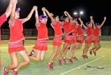 ソフトテニス女子団体で優勝し、ジャンプして喜びを表す昇陽の選手たち ©読売新聞社