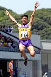 陸上男子走り幅跳び2位になった出雲の永岡宗一郎 ©読売新聞社