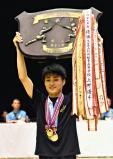 フェンシング男子フルーレで優勝した大分豊府の中村太郎 ©読売新聞社