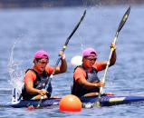 カヌー男子スプリント・カヤックペア(500㍍)で優勝した谷地の選手たち ©読売新聞社