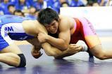 レスリング男子80キロ級で優勝した網野の高橋夢大(右) ©読売新聞社