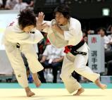 柔道女子48キロ級で準優勝した熊本西の白石響(右) ©読売新聞社