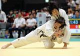 柔道女子48キロ級で優勝した南筑の古賀若菜(左) ©読売新聞社