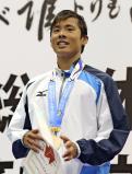 競泳男子200メートル個人メドレーで優勝した伊東の松本周也 ©読売新聞社
