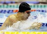 競泳男子100メートル平泳ぎで6位入賞した地球環境の近江ハリー ©読売新聞社