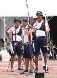 アーチェリー男子団体、三位になった甲南の選手たち