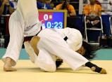 柔道女子78キロ超級で、優勝した藤枝順心の米川明穂選手(右)