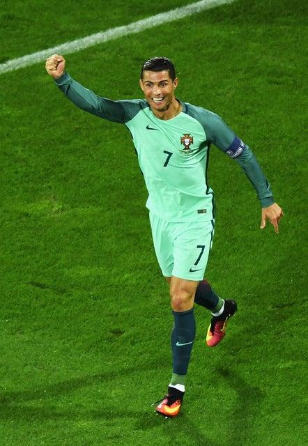 サッカーポルトガル代表のクリスティアーノ・ロナウド 参考画像(2016年6月25日)(c) Getty Images