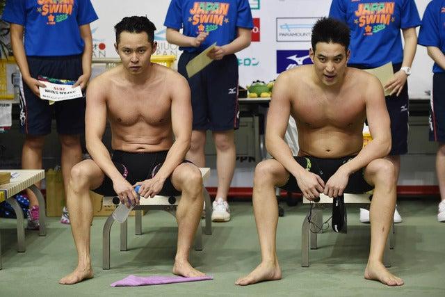 北島康介(左)と立石諒(2016年4月5日)(c) Getty Images