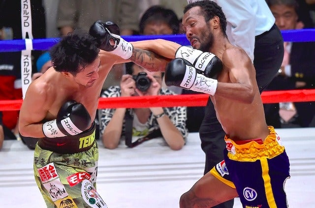 山中慎介、9回目の防衛戦でアンセルモ・モレノと対戦(2015年9月22日)(c) Getty Images