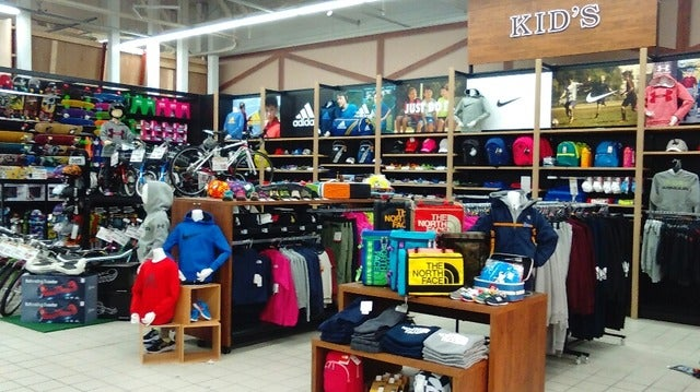埼玉に「スポーツオーソリティ 狭山店」オープン…ボルダリングジム設置
